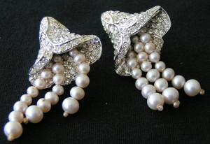Vintage Blütenohrringe, Straß & Perlen