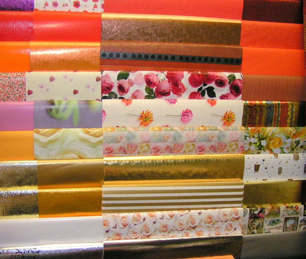 Papierlagerung auf einem Spezialgestell in meinem früheren Laden / paper storage on a special rack in my former shop