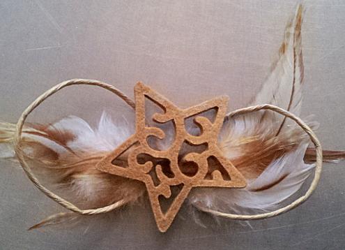 Papierschleife - mit einem Filzstern / paper bow - with a felt star