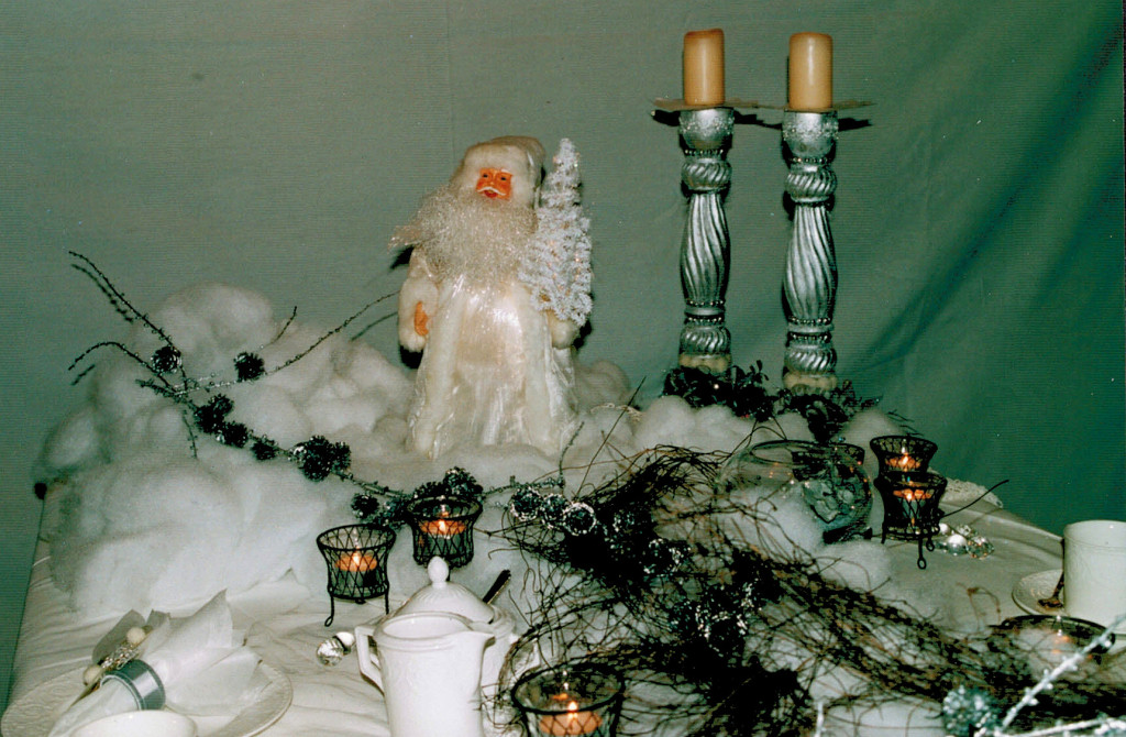 Christmas table decoration with Santa 6