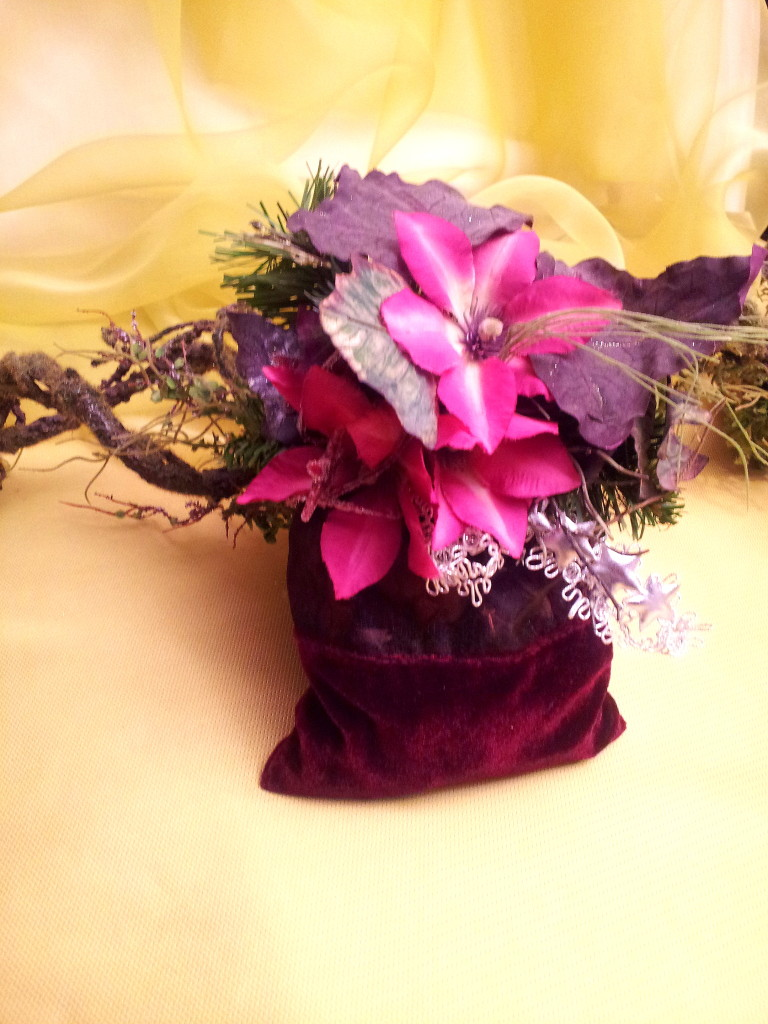 Christmas deco - purple smelling sachet