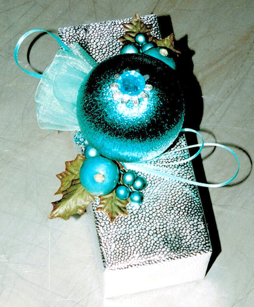 silver & turquoise decor