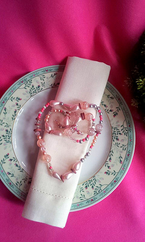 napkin decor heart of faux pearls 2