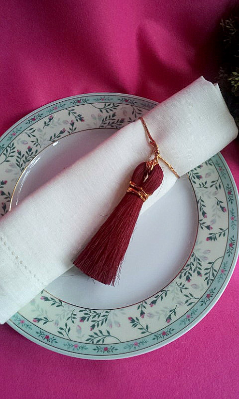 napkin decor tassel 1