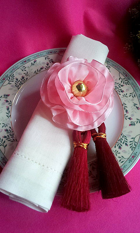 napkin decor tassel 2